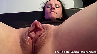 Horny Body Builder Rubs Giant Clit And Wet Pussy To Contracting Orgasm