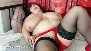 Roxanne with huge tits now has a hairy box