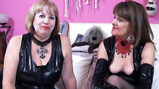 Vampire Lesbian Lovers
