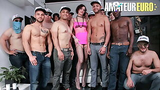 SCAMBISTI MATURI - Hot Cougar Sissy Neri Has Orgy Sex With Men