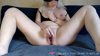 Vends-ta-culotte - French Blond MILF Masturbates in Bedroom