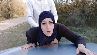 Muslim bitch gets her pussy filled by a stranger