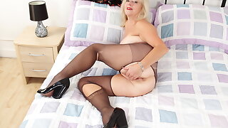 Black tights provoke Sapphire Louise's wicked cravings