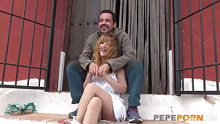 Behind the scenes, she's still wants to fuck! Lydia bangs